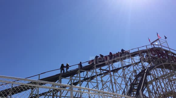 Coney Island Cyclone Roller Coaster Stuck Midway: Rescue Effort