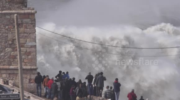 Nazaré - Big Waves - Raw Footage - Praia do Norte - 2014-02.02