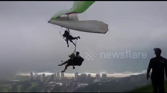 Terrifying hang glider crash in Brazil