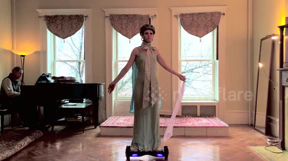 Woman improvises 'graceful' ballet performance on a hoverboard