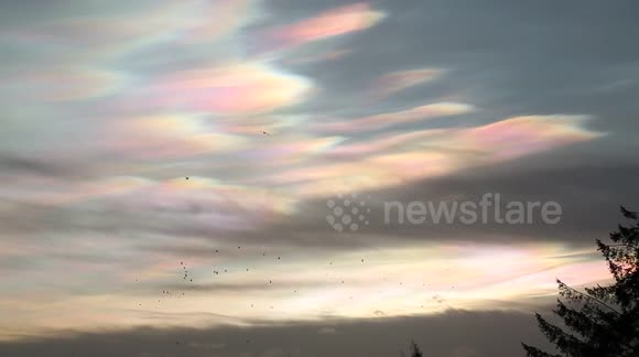 Stunning 'rainbow-coloured' nacreous clouds over Yorkshire