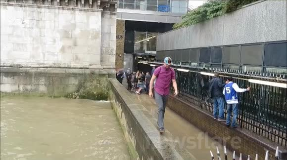 River Thames Pathway Flooded Out
