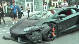 Newsflare 330 000 Lamborghini Left Ruined After Driver Slams