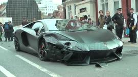 Newsflare Lamborghini Aventador Crash In London
