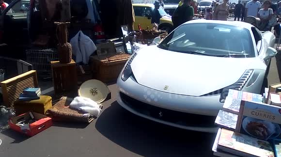 Newsflare 200 000k Ferrari Gets Stuck In Brighton Car Boot Sale