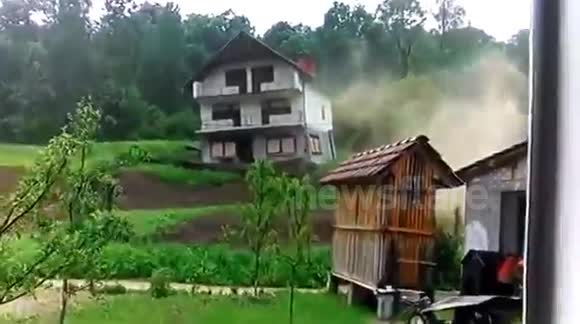 Demolition of houses in Bosnia (creepy)