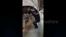 Newsflare - Watch a worker pack bearings with amazing speed