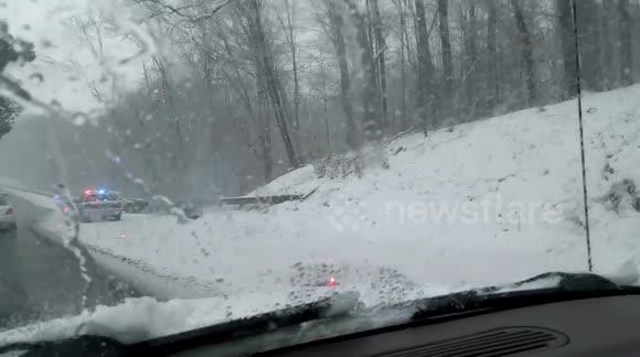 Newsflare - Accident Merritt Parkway