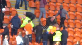 Newsflare - Leeds fans make controversial chant: