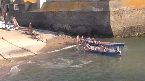 Dodatkowe Newsflare - Cornwall Port Isaac's Rowing Club gigs Corsair and Unity DZ89