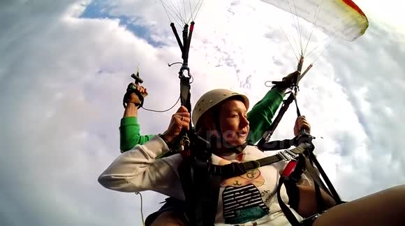 Newsflare - Tandem paragliding accident in Turkey - Unedited