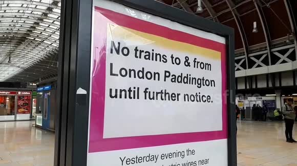 Newsflare - Chaos at Paddington station as no trains running