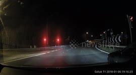 Newsflare - Tesla cameras catch thieves robbing vehicle