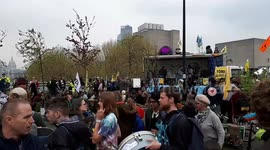 Newsflare - Extinction Rebellion protesters stop traffic and