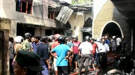 Newsflare - Graphic video shows chaotic aftermath of Sri