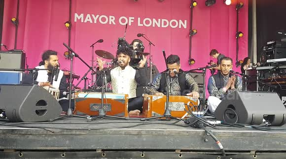 Newsflare - Chand Ali Khan Qawwal & Party perform at the