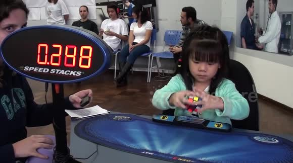 Toddler completes Rubik's Cube in 47 seconds