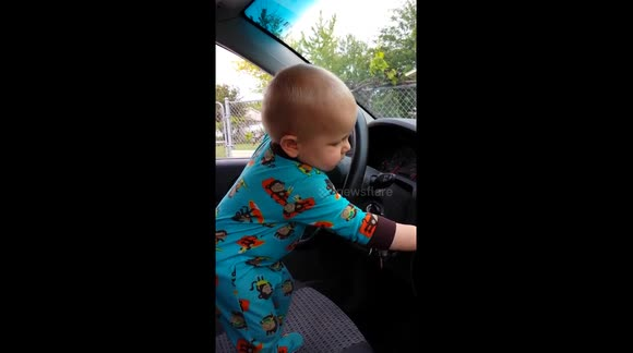 Baby dances to hip-hop track in Utah