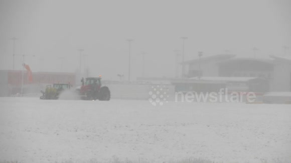 Snow clearance starts at Leeds Bradford Airport