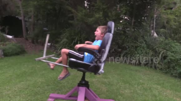 Dad makes awesome motorised spin chair ride for his kids