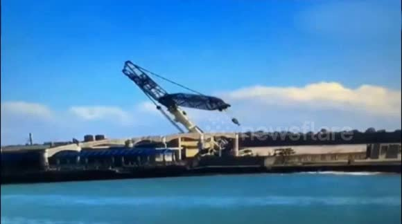 700-ton crane blown down by Typhoon Megi