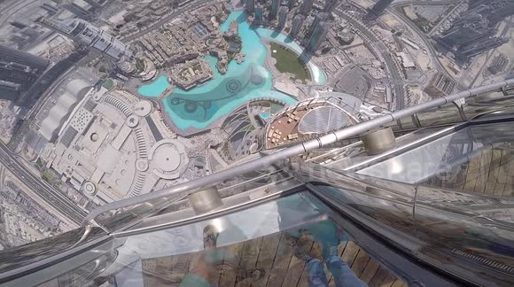 Tech vlogger drops iPhone 7 Plus off the tallest building in the world