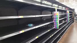 Newsflare - Newsflare Edit - Empty shelves at Walmart as Hurricane