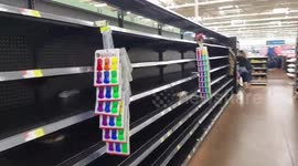 Newsflare - Empty shelves at Walmart as Hurricane Matthew approaches
