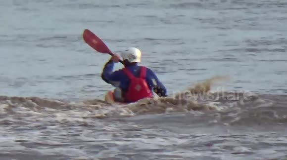 Severn bore tidal wave observed