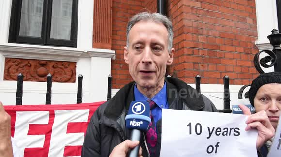 Peter Tatchell speaks outside Ecuadorian embassy in support of Julian Assange