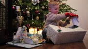 Four-year-old boy can finally open Christmas presents thanks to bionic hand