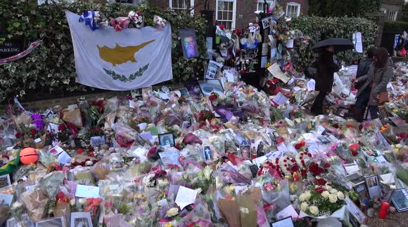 Mourners continue to place tributes to George Michael
